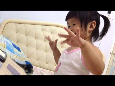 Suri dances with Ong Xa Em Number One song