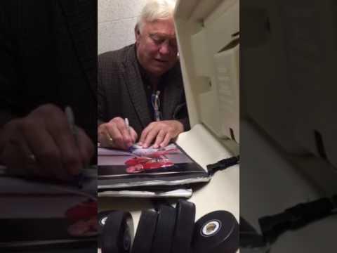Bobby Hull BLACKHAWKS Signing Autographs Team Derek  2