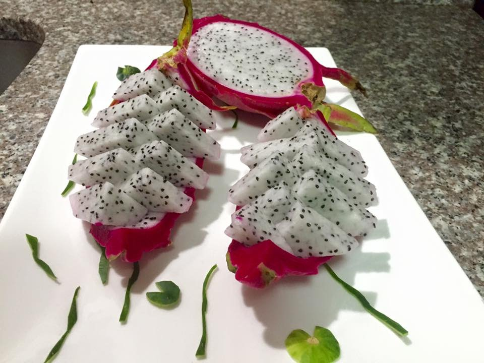 how to cut a dragon fruit canistel fruit