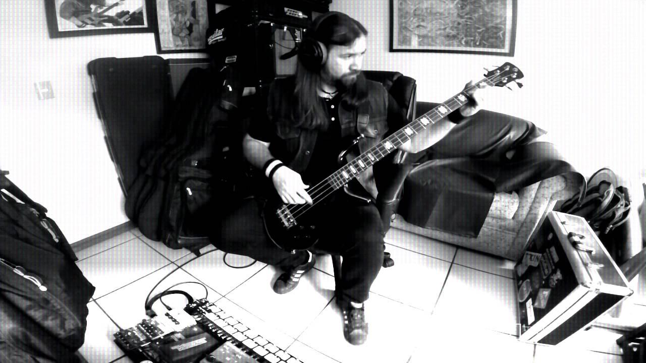 faith-no-more-star-ad-bass-cover-kello-gonzalez