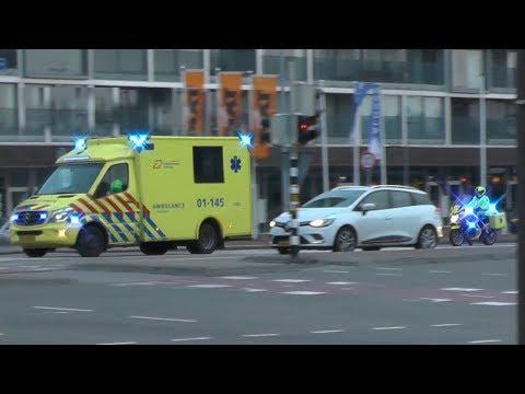 A1, [Motor-] Ambulances 01-145 & 01-322 naar MMT inzet Ossenmarkt Groningen