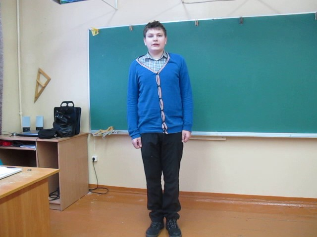 Изображение предпросмотра прочтения – МаксимСивицкий читает произведение «Тучи» М.Ю.Лермонтова