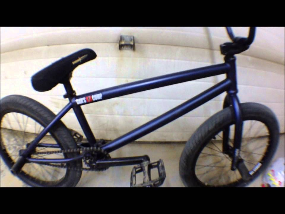How to Manual BMX - YouTube