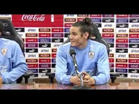 La bronca de Cavani por los muñecos de los jugadores de Uruguay