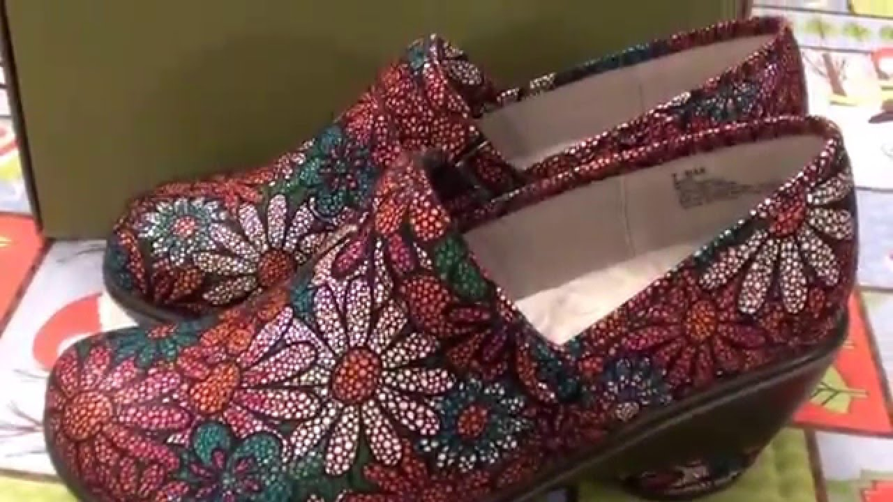 924b19bb546a Zappos.com Jambu Miro Berry Floral Women s shoes - YouTube