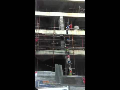 Only in the Philippines- Construction workers