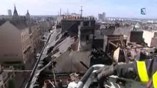 Incendie à Rouen: les pompiers à l'oeuvre