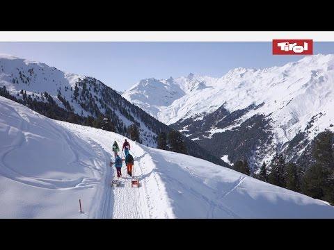 Rodeln und Schlittenfahren in Tirol, Österreich: Rodelspaß