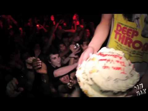 Steve Aoki turning up the CAKE
