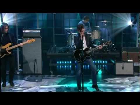 Arctic Monkeys - Reckless Serenade [Live on Tonight Show]
