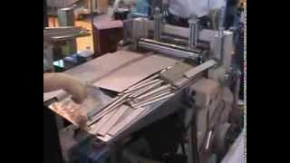 Stroj na hřbetníky