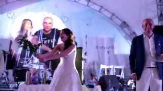 КриоШоу - невеста Василина профессионально разбивает розы вдребезги о своего жениха!!