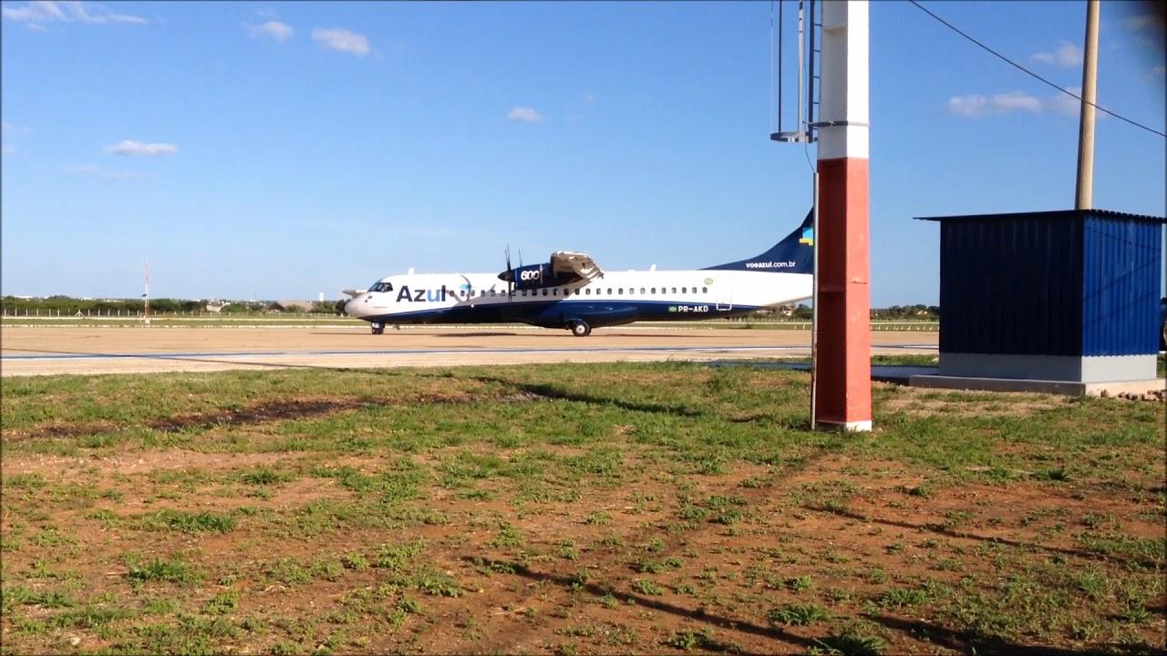 Resultado de imagem para Avião da Azul no aeroporto de Mossoró