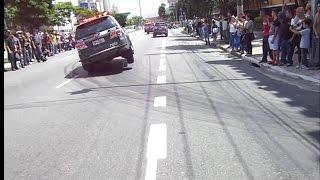 ROTA 123 ANOS - VIATURA HYLUX EM 2 RODAS - Show dos rodinhas na saída das viaturas