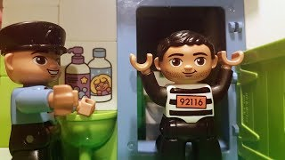 Lego Duplo films - Police patrol and construction site