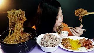 육개장라면사리넣고밥한공기 각종김치(ft.오이김치 배추김…