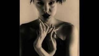 Angelina Jolie-6.cadde 2 Video