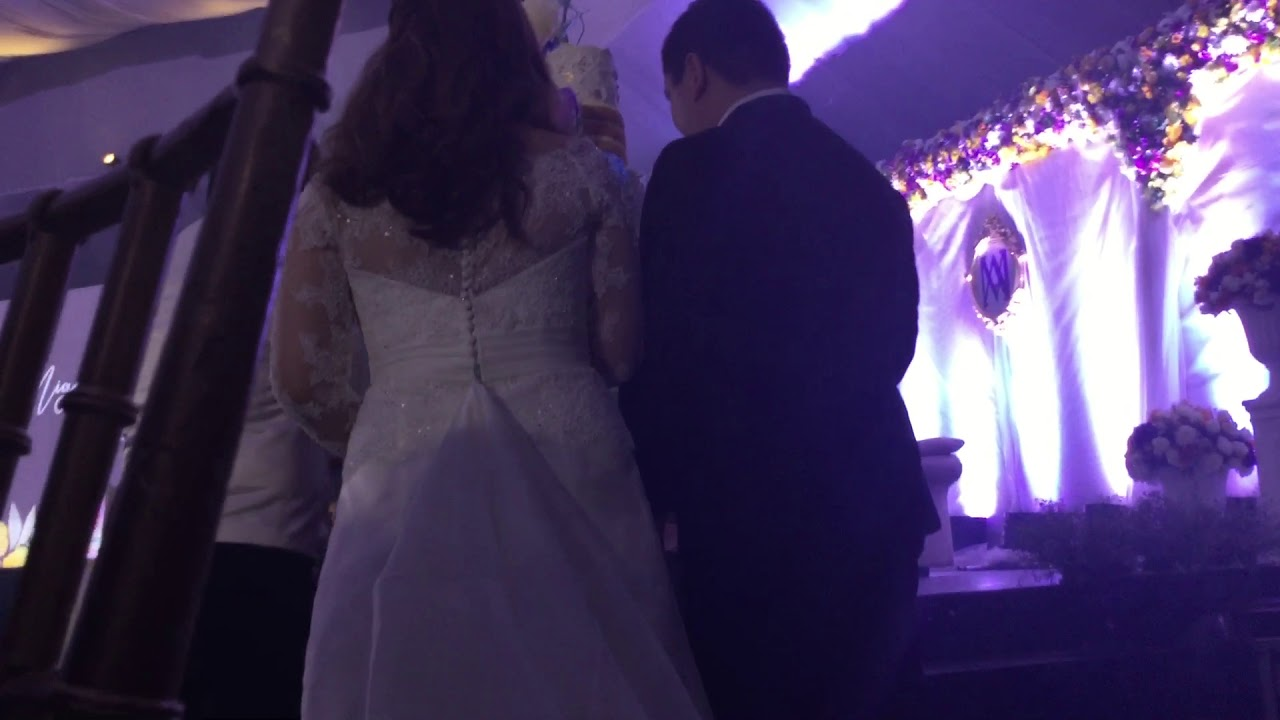 Palazzo Verde Event Place Las Piñas Watching Cutting the wedding cake