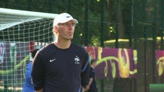 Football: Laurent Blanc quitte la tête de l'équipe de France