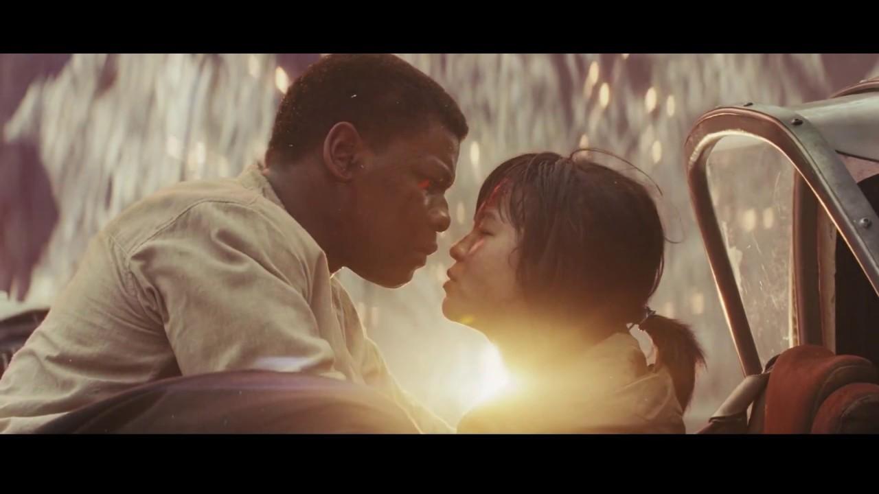 Resultado de imagem para star wars the last jedi kiss