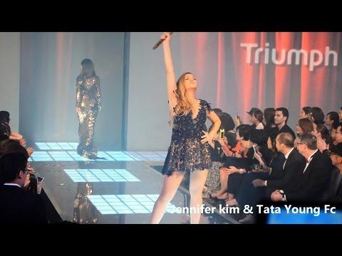 i believe  ทาทา ยัง @Fashion show Triumph 20 Year Maximizer Magic