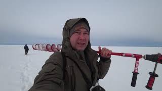 7 03 21 Недолгая рыбалка на Братском водохранилище Бурим шуруповертом толстый лед