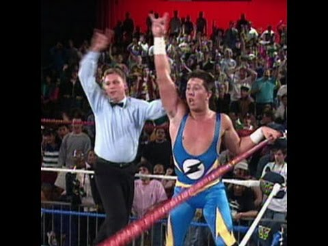 The 1-2-3 Kid scores a huge upset victory over Razor Ramon - YouTube