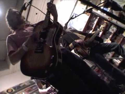 cool band in 'other music' store(1/2)-------new york videodyssey(368)