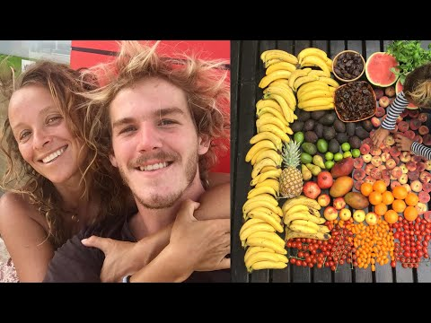 DAY IN THE LIFE OF A RAW VEGAN FRUITARIAN COUPLE