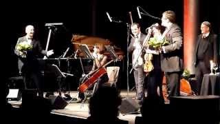"""Tiffany-Ensemble & Jochen Malmsheimer in """"Jauchzet Frohlocket"""" (Zugabe)"""