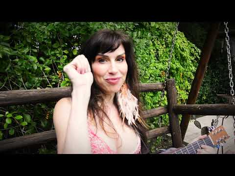 Coral Campopiano lanzó su nuevo video