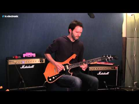 Paul Gilbert (Mr. Big) demoing the Ditto Looper