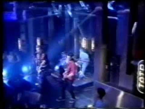 Bush - Swallowed (Live at Top Of The Pops 1997)