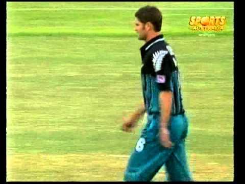 Chris Cairns 2 wickets in 3 balls vs Australia MCG 1997/98