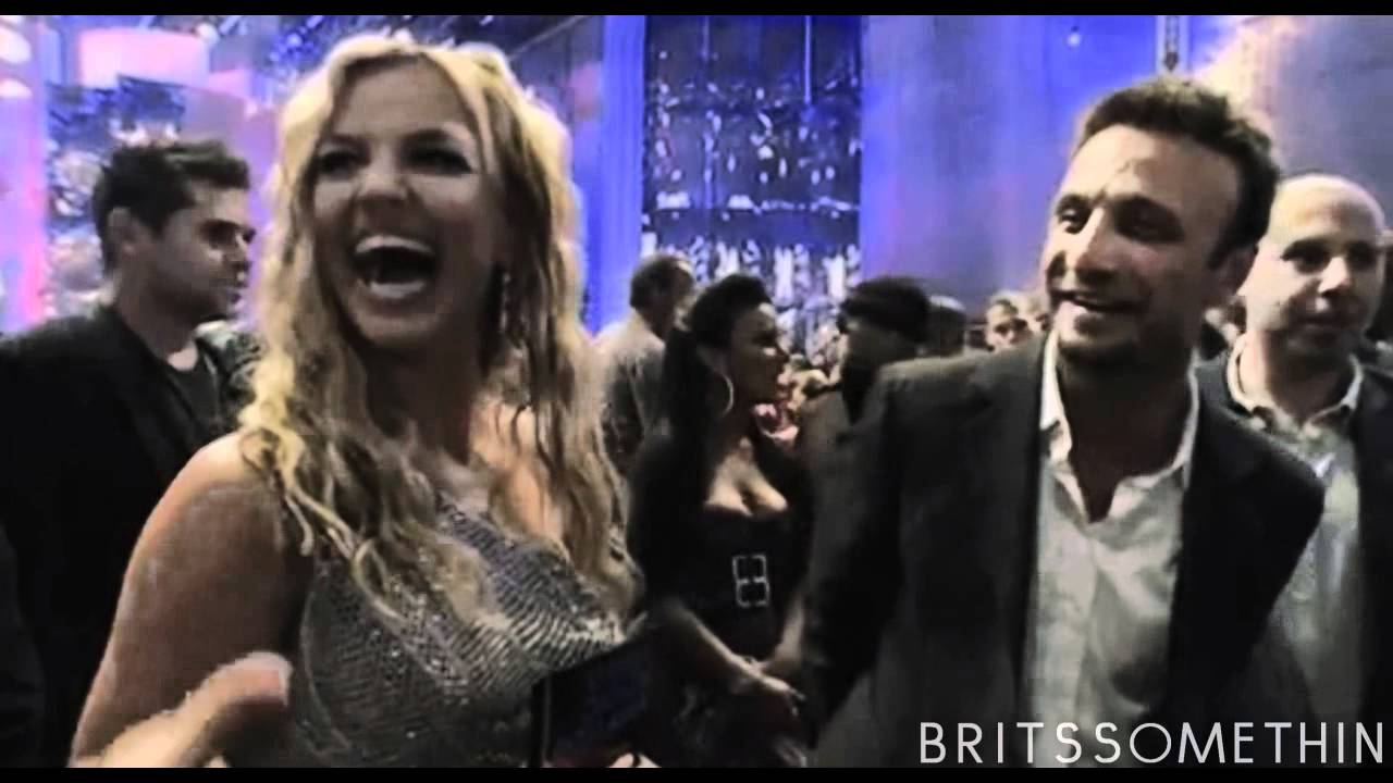 Download Britney Spears - Piece Of Me [2012 Music Video]