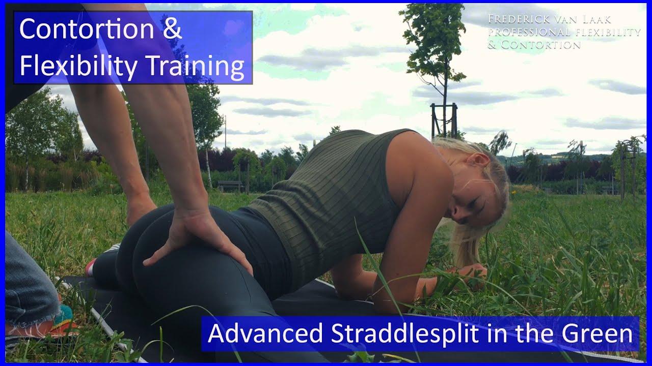 100 Flexyart Contortion Training: Advanced Straddlesplit - Also for Yoga, Pole, Ballet, Dance People