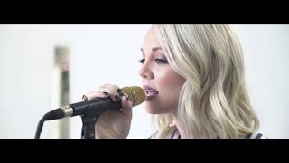 Speechless by Sarah Reeves (Ivory Sessions) thumbnail