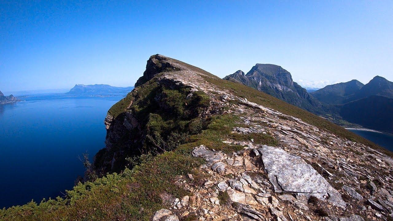 Finnesfjellet mountain in Gildeskål