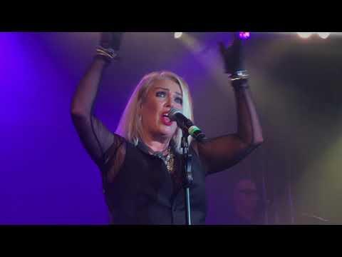 Kim Wilde You Came & You Keep Me Hangin' On - Live Butlins Bognor October 2017