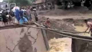 Lao Bridge Collapse & Footbridge Construction