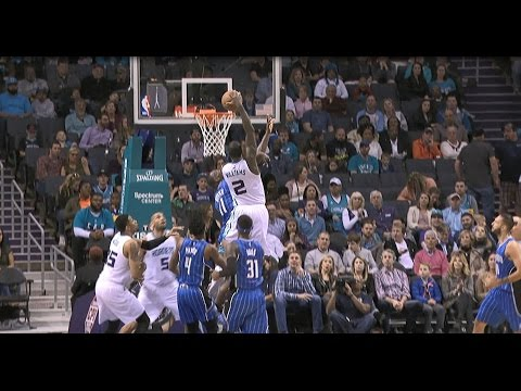Marvin Williams With Powerful POSTER SLAM! l 03.10.17