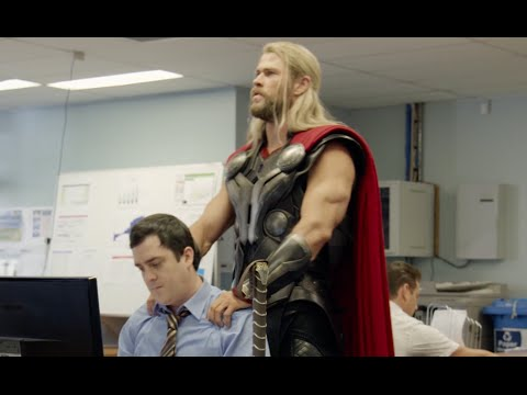 "Chris Hemsworth ""needed some ME time"" hilarious THOR sketch. Team Thor"