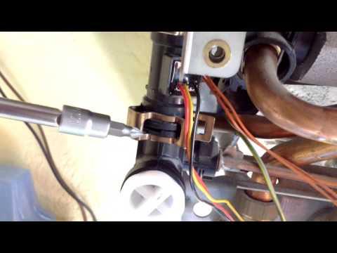 Fallo Caldera Junkers euromaxx  no sale agua caliente cambio fluxometro