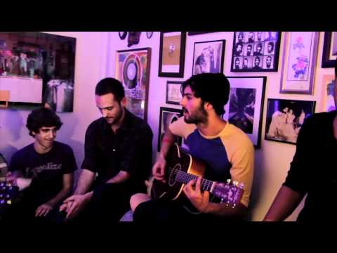 Young The Giant - I Got (live Acoustic On Big Ugly Yellow Couch)