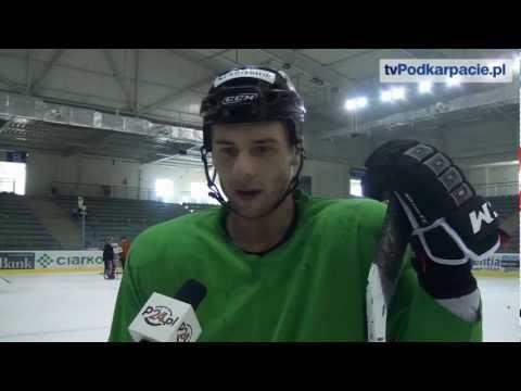 Pierwszy trening i pierwszy rzut karny w Sanoku Wojtka Wolskiego (VIDEO HD)