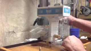 Repeat youtube video Cigarette rolling machine