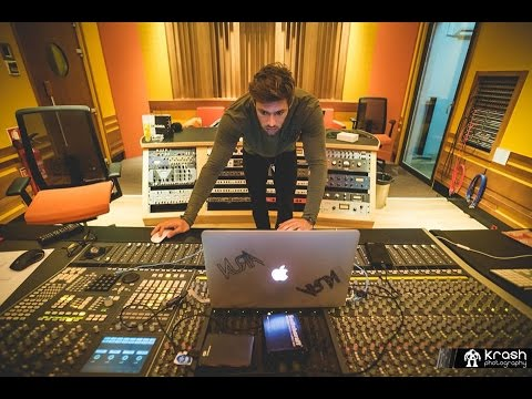 KURA in The Studio Explaining How He Made His Track