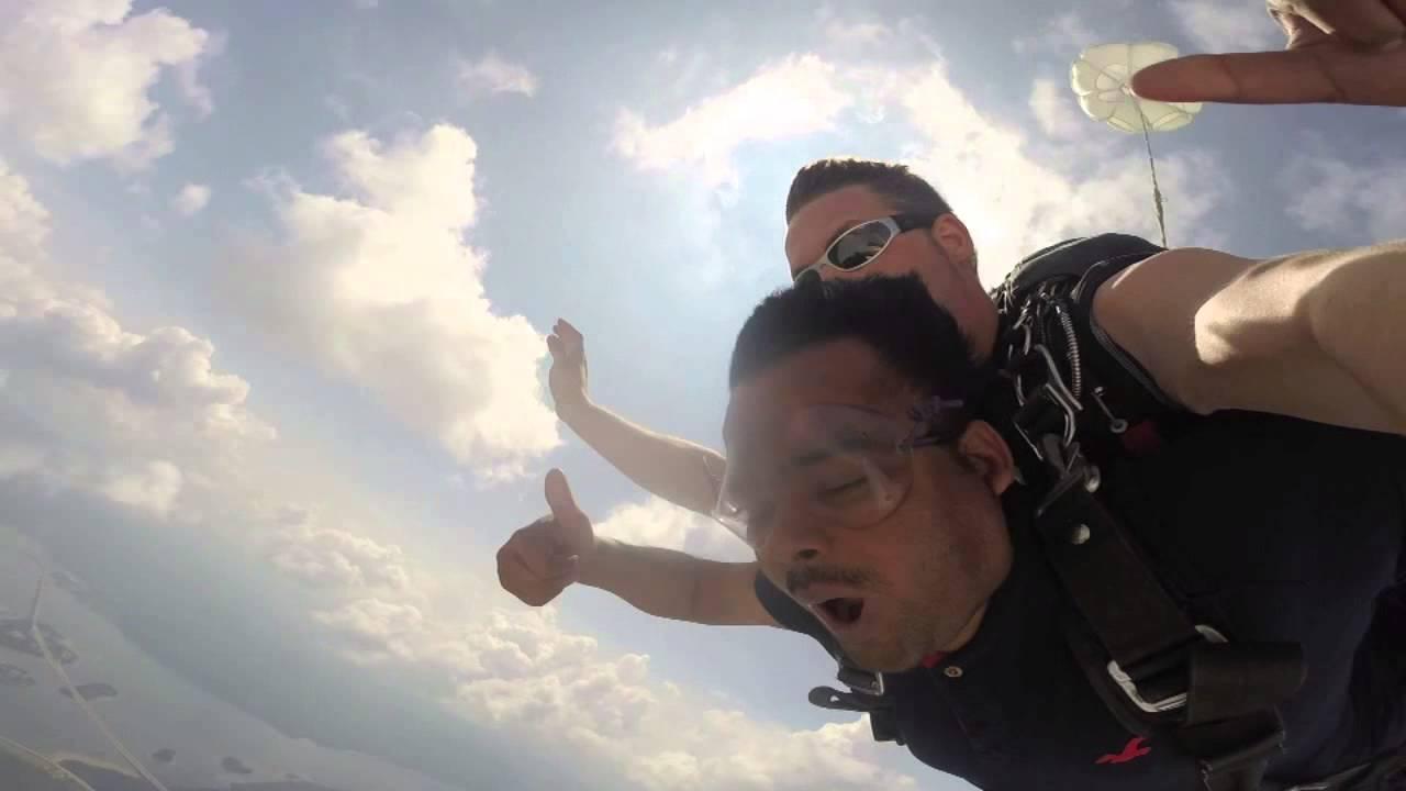 Leela Of Ar Goes Skydiving