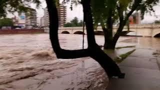 Impresionante creciente del Río Suquía el 25 de enero de 2019
