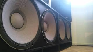 Four 18s Excursion in a bedroom! Ridiculous bass!